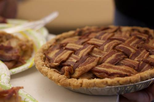 bacon_weave_apple_pie.500;500;7;70
