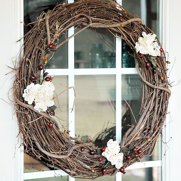 teastaineddoily_holidaywreath