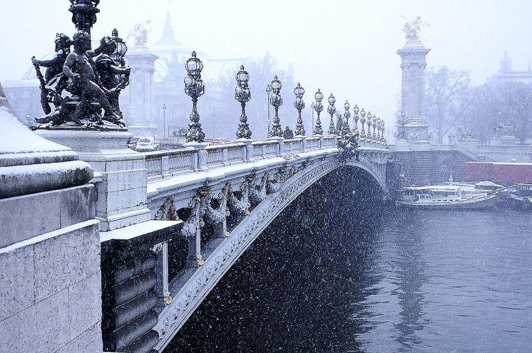 1280px-Pont_Alexandre_III_sous_la_neige