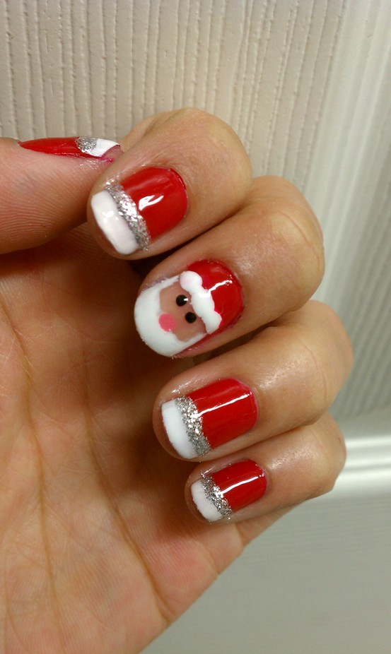 Easy-Christmas-Nail-Designs