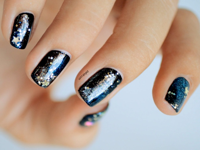 05-nail-art-new-years-galaxy