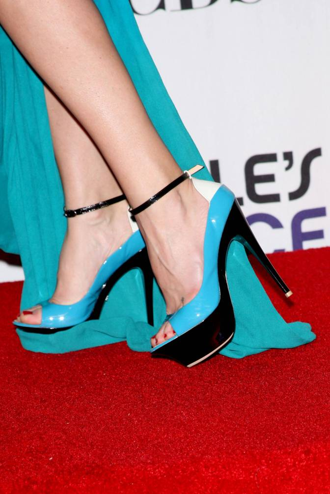 35th Annual People's Choice Awards - Press Room
